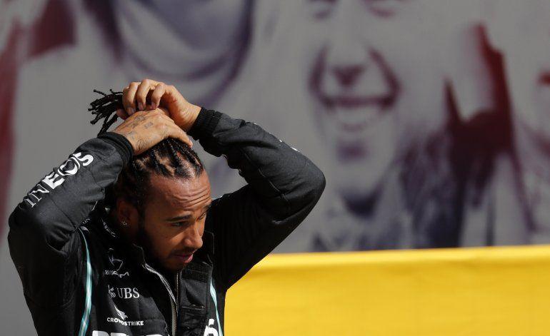 Hamilton reina en Silverstone y acecha récord de Schumacher