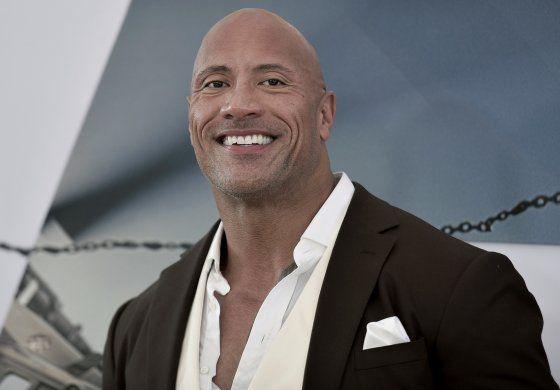 "Dwayne ""The Rock"" Johnson adquiere XFL"