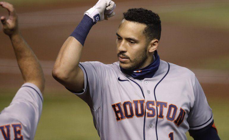 Altuve, Correa jonronean; Astros vencen a Bumgarner, Arizona