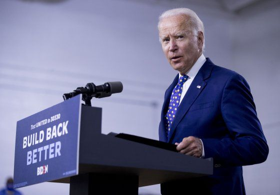 Campaña de Biden gastará 280 mlns en publicidad hasta otoño