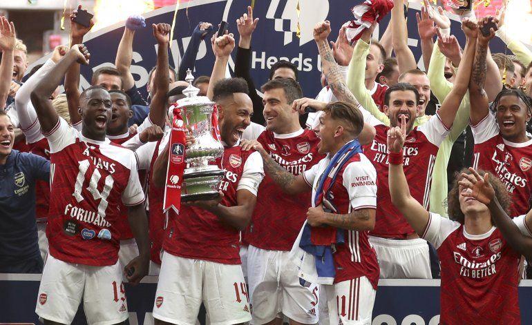 Arsenal anuncia despidos por impacto financiero del COVID-19