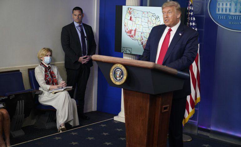 Crece el abismo entre Trump y los expertos sobre coronavirus