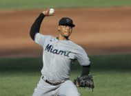 marlins barre la doble cartelera ante los orioles