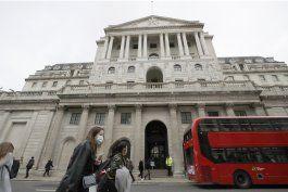 banco de inglaterra: caida seria menos grave de lo previsto