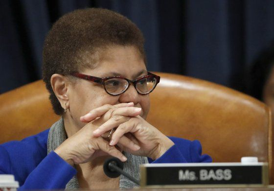 Karen Bass pudiera ser problema para Biden en Florida