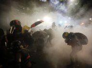 precupa creciente uso de gases lacrimogenos por la policia