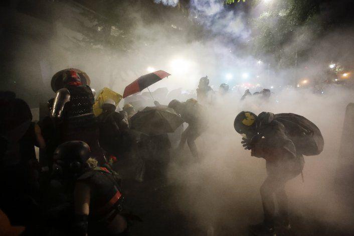 Precupa creciente uso de gases lacrimógenos por la policía