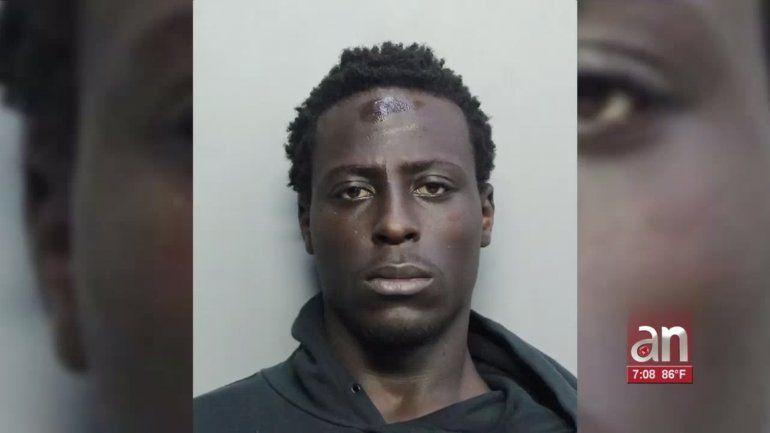 La policía anunció el arresto del sospechoso de dispararle a un grupo de oficiales de Miami-Dade cuando ejecutaban un registro
