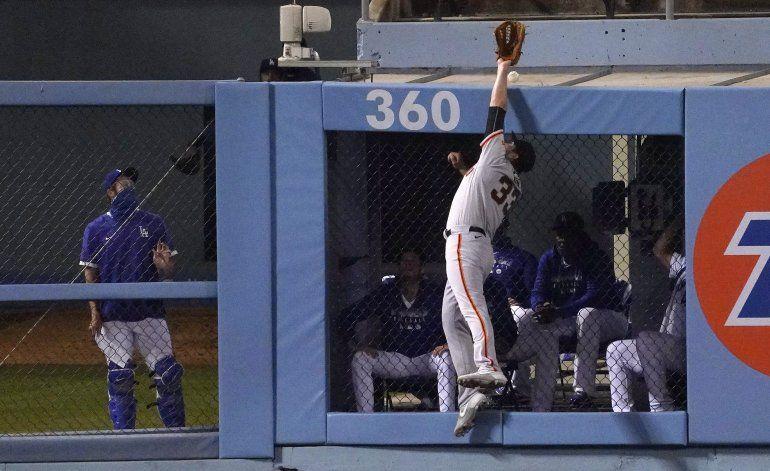 Dodgers barren a Samardzija, Gigantes con jonrones