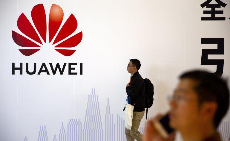 Huawei queda sin chips para celulares por sanciones de EEUU