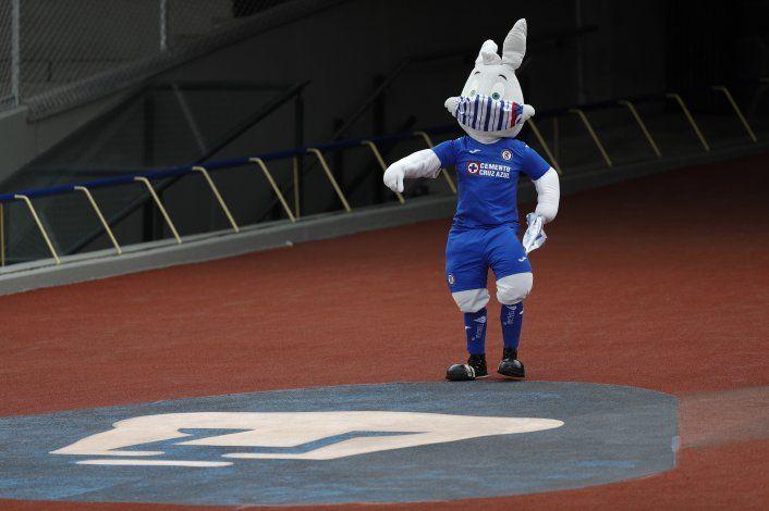 Cruz Azul mantiene marcha invicta con triunfo 2-0 sobre León
