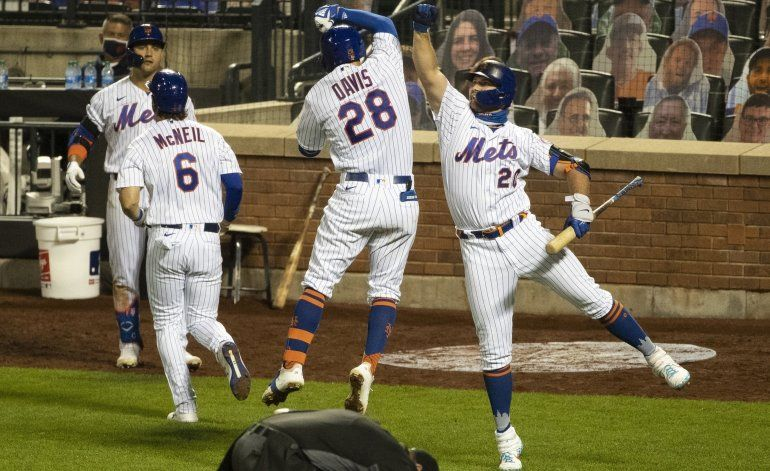 Con 3 jonrones Mets ponen fin a racha de triunfos de Marlins