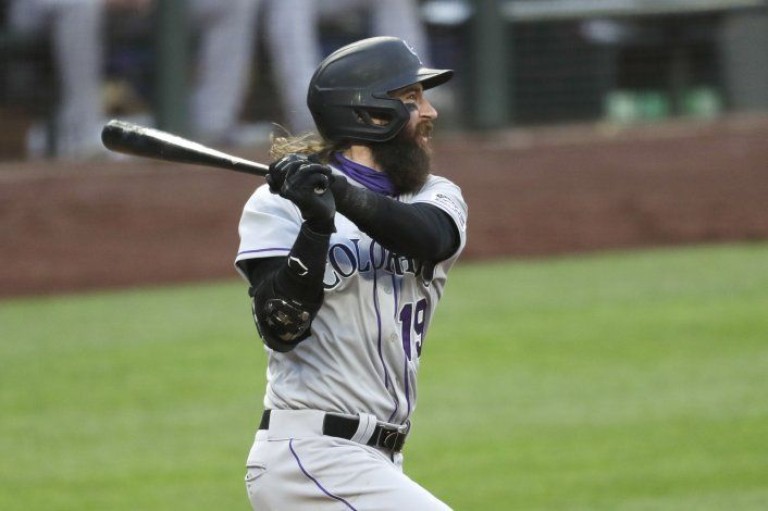 Blackmon sigue en racha, Rockies aplastan a Marineros 5-0