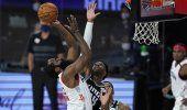 Rivers brilla con 41 puntos en triunfo de Rockets ante Kings
