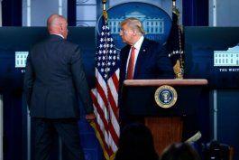 donald trump fue evacuado de una conferencia de prensa por un tiroteo en las inmediaciones de la casa blanca