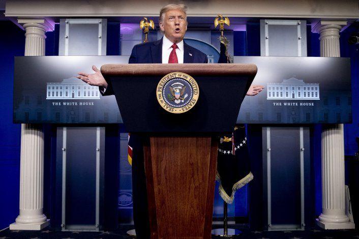 La respuesta de Trump a todos los problemas: Más Trump