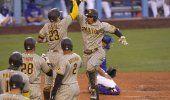 Los Padres ganan a los Dodgers con un grand slam de Machado