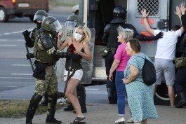 mas de 1.000 detenidos en nuevas protestas en bielorrusia