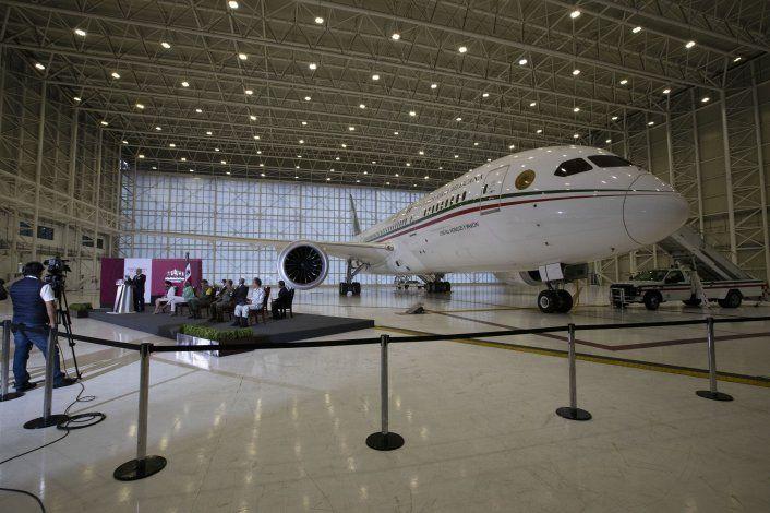 México vende apenas la 3ra parte de boletos de rifa de avión