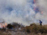 israel ataca sitios de hamas en gaza por globos incendiarios
