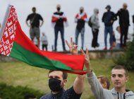 bielorrusia: cientos forman filas de solidaridad en protesta