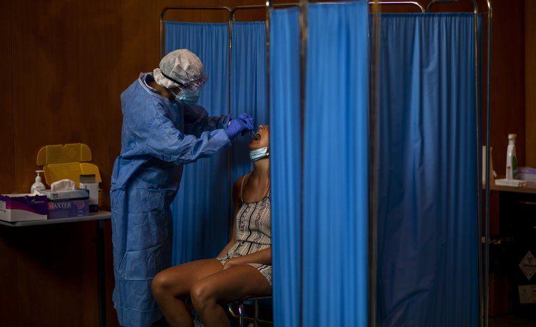 Expertos: España está perdiendo ante 2da ola de coronavirus