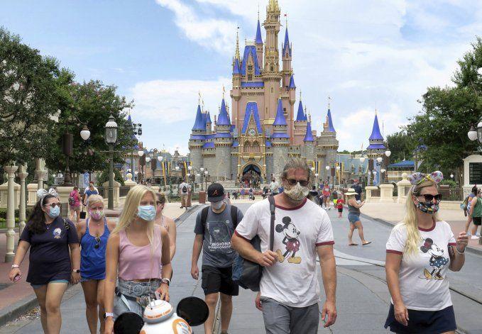Actores y Disney World llegan a acuerdo por pruebas de COVID