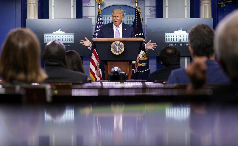 Trump reconoce que frena fondos para voto por correo