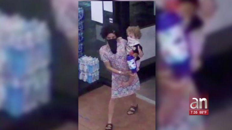 FBI saca a la luz nuevas fotos de madre desaparecida en Broward
