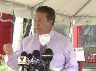 alcalde de hialeah advierte a gimenez que abra restaurantes o tomara medidas