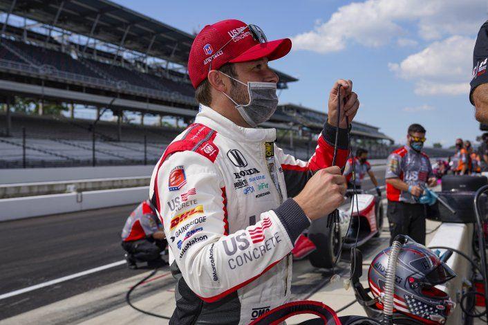 Andretti supera las 233 mph en el viernes veloz