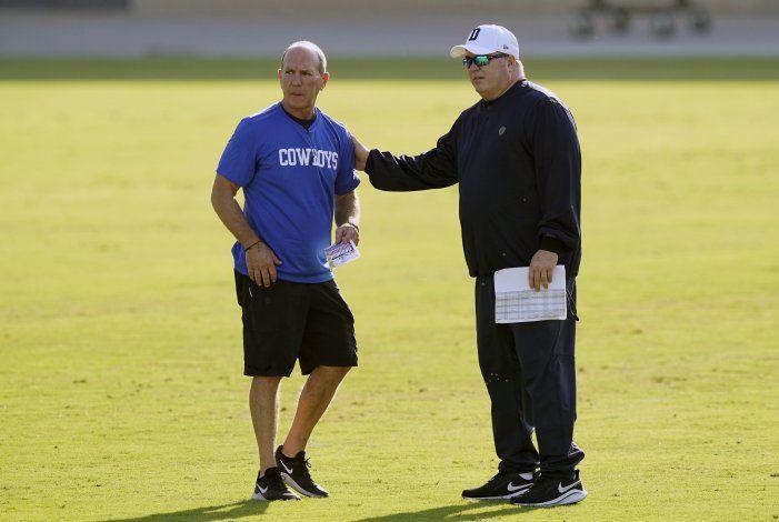 Cowboys soportan el calor de Dallas en su primera práctica