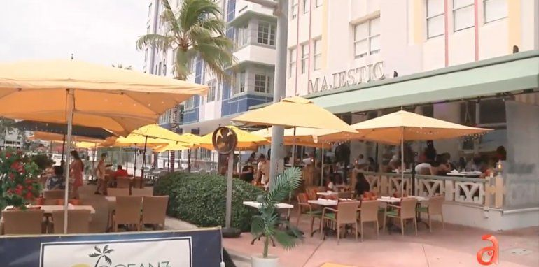 Reviven restaurantes en Miami Beach durante el fin de semana largo