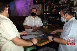 bares y discotecas todavia no pueden abrir sus puertas en miami-dade