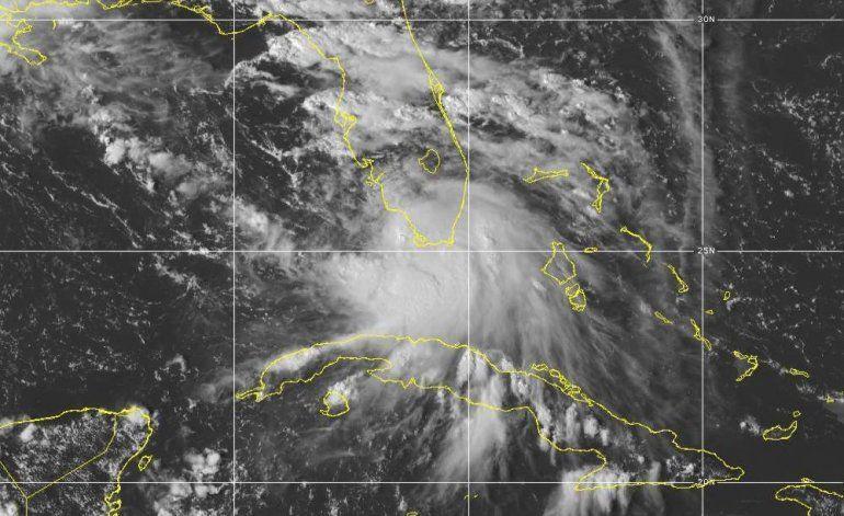 Paulette va hacia Bermuda, Sally amenaza al Golfo de México