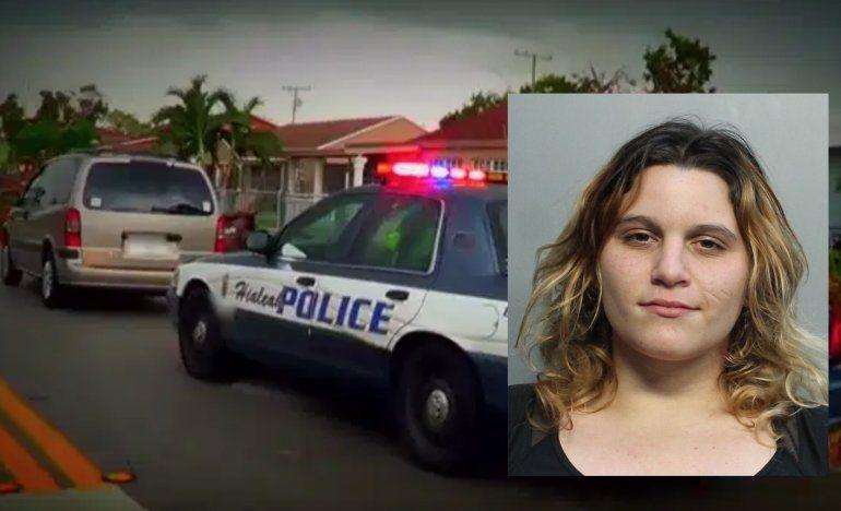 Tras la rejas una joven de Hialeah acusada de agredir y lesionar a sus padres