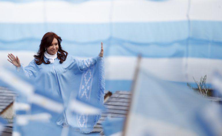 Senado argentino desplaza jueces que investigan a CFK