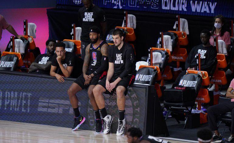 Incluso con George y Leonard, los Clippers se estancan