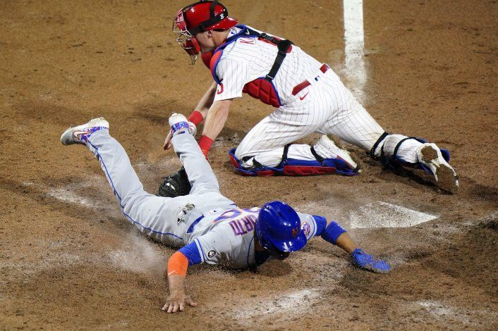 Mets ganan, pero  deGrom se marcha por calambres