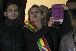 bolivia: renuncia anez a candidatura nueve tablero politico