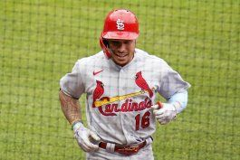 cardenales barren a piratas y se acercan a playoffs