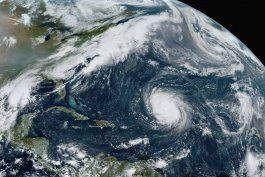 tormenta beta provoca alerta de huracan en la costa de texas
