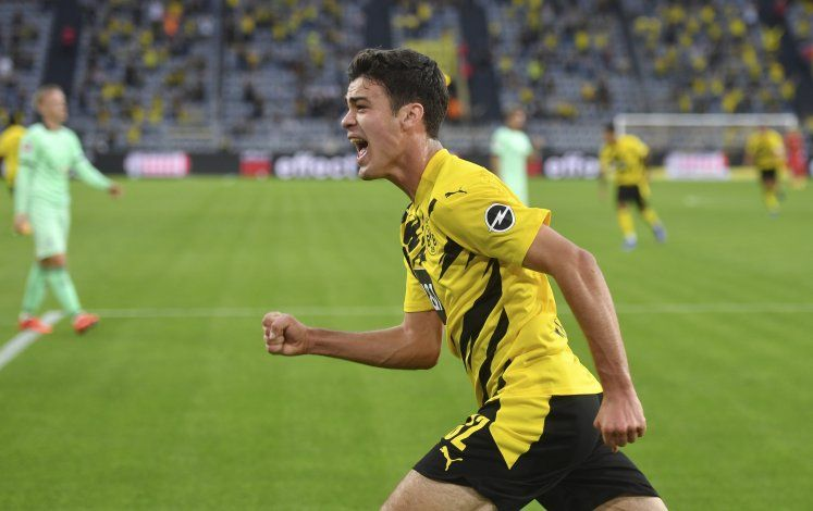 Dortmund vence 3-0 a Borussia Mönchengladbach