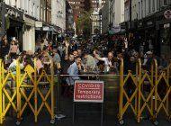 gran bretana sube las multas a infractores de cuarentenas