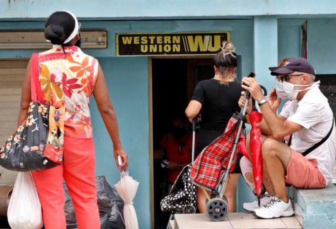 El pago en dólares no está disponible en la Isla, la única respuesta de Western Union a los cubanos