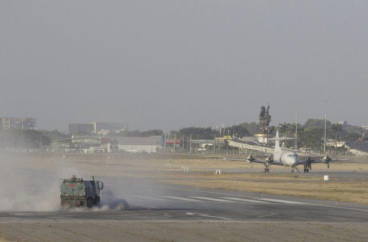 Ecuador: Ceniza de volcán en erupción paraliza aeropuerto