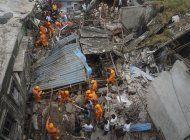 al menos 8 muertos tras derrumbarse un edificio en india
