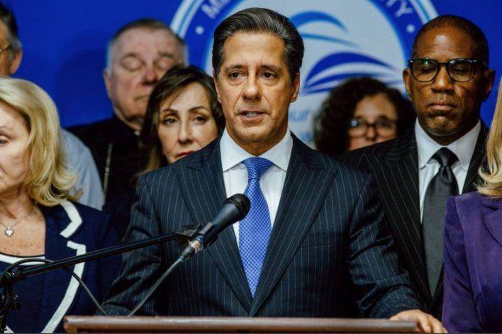Junta escolar de Miami-Dade rechazó propuesta del superintendente Alberto Carvalho: proponen que sea entre el 14 y el 21 de octubre
