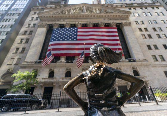 Wall Street cierra en baja ante caída del sector tecnológico