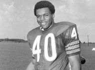 gale sayers, legendario rb de los bears, fallece a los 77